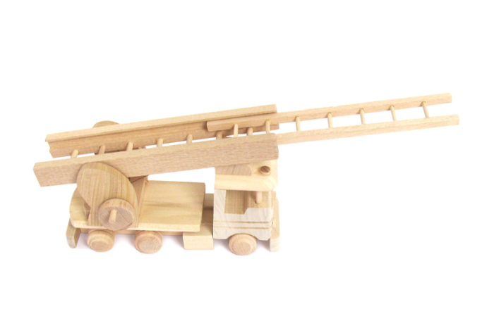 Straz pozarna zabawka drewniana