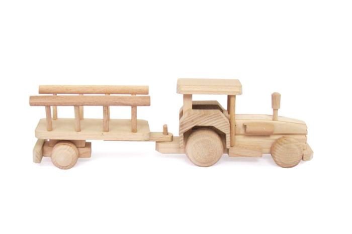 Traktor zabawka drewniana